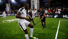 'Připrav se na pátek'. Bolt se představí v dresu fotbalového Dortmundu