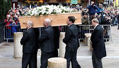 Na Hawkingově pohřbu se sešlo 500 lidí. Zvon cambridgského kostela odbil šestasedmdesátkrát