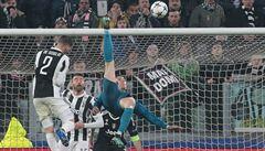 VIDEO: Z jaké planety Ronaldo pochází? Úchvatným nůžkám tleskali i fanoušci soupeře