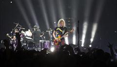 Metallica v Praze překvapila českou písní Jožin z Bažin