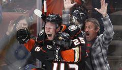 NHL: Kaše v prodloužení rozhodl o výhře Anaheimu. Trefili se i Palát a Pastrňák