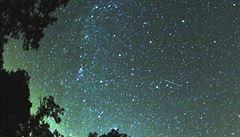 Astronomové očekávají 'spršku' padajících hvězd Leonid