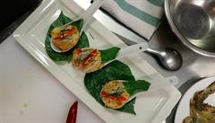 VIDEORECEPT: Krevetový salát na lžičku podle šéfkuchaře