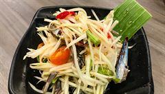 Připravte si thajský salát Som Tam podle šéfkuchaře Jiřího Štifta