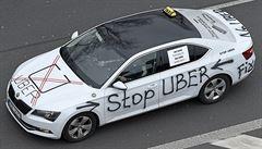 Pražští taxikáři budou v pátek znovu protestovat proti Uberu. Můžeme vjet na D1, varují