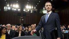 Skandál kolem Cambridge Analytica zasáhl i Zuckerberga. Přiznal, že byl také obětí