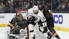 NHL: Nosek začal play off NHL asistencí u vítězné trefy Vegas