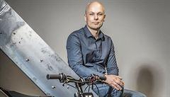 Nejdřív chtěl koupit tříleté dceři motorku, teď jeho firma vyváží elektromotorky do celého světa
