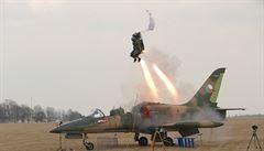VIDEO: Aero otestovalo novou verzi vystřelovacího sedadla VS-20