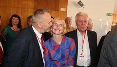 O post předsedy KSČM po Filipovi má zájem osm kandidátů včetně Konečné a Skály