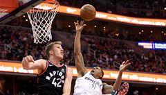NBA: Basketbalisté Washingtonu srovnali sérii s Torontem