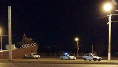 Opilý Rus řídil auto a narazil do pomníku s tankem