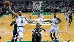 NBA: Basketbalisté Bostonu vyřadili Milwaukee, Golden State přehráli New Orleans