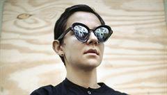 Brýle podle sci-fi a detektivek. Inspiruje mě i Tomáš Halík, říká běloruská šperkařka Aleinikava