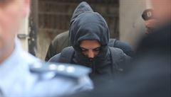 Tři Nizozemci dostali za napadení číšníka podmínku a vyhoštění. Zbylí dva útočníci jdou do vazby