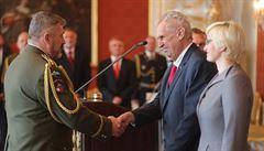 Zeman jmenoval nového náčelníka generálního štábu, nástupcem Bečváře je Opata