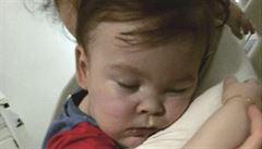 Lékaři chlapce s odumírajícím mozkem odpojili od přístrojů. Začal ale dýchat sám