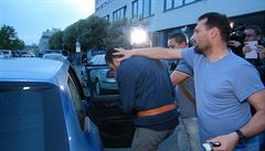 Útočníci podezřelí z napadení číšníka jsou Nizozemci, policie je sledovala na kamerách