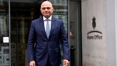 Plně očkovaný britský ministr měl pozitivní rychlotest na covid-19. Čeká se na potvrzení metodou PCR