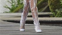 4897cc0f478 Novým trendem jsou boty vyrobené z průhledného plastu