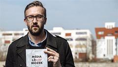 Voličům Miloše Zemana nevadí, že jim lže, říká autor knihy o dezinformacích
