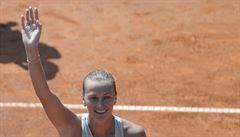 Mise splněna. Kvitová sice ztratila ve finále set, přesto ve Stromovce slaví titul