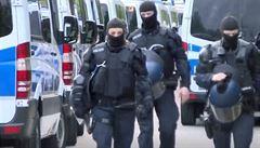 Německá policie prohledává od rána byty, razie má za cíl zmařit teroristický útok