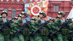 Rusko slaví Den vítězství. Na vojenské přehlídce představí robotické systémy i 'neviditelné' letouny
