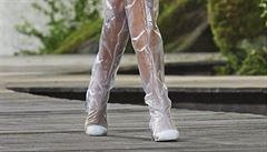 Fantastický plastový život. Novým trendem jsou boty vyrobené z průhledného plastu