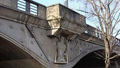 Vadnoucí betonová krása. Skončí Hlávkův most stejně jako ten libeňský?