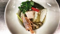 VIDEORECEPT: To nejlepší z thajské kuchyně. Jak na ostrou polévku Tom Yum?