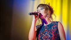 RECENZE: Effet Miroir. Francouzská zpěvačka Zaz v kraji za zrcadlem