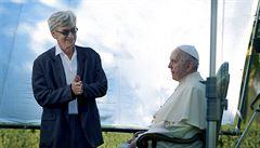 Muž svého slova. Papež František se v Cannes projížděl v autě Mr. Beana