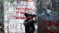 Pět let vězení za natočení vojáka, který střílí na bezbranného? Izrael chce trestat kameramany