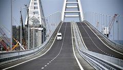 'Ukrajina by měla vyhodit do povětří krymský most,' napsal americký časopis. Rusko žádá vysvětlení