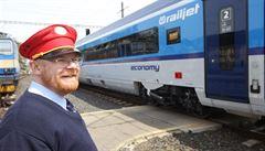 Rail Ninja řádí ve vlacích Českých drah, prodává cestujícím neplatné jízdenky