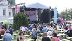 Multižánrový festival Mezi ploty navštívilo zhruba 20 tisíc lidí. Výtěžek půjde bohnické léčebně
