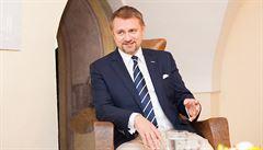 Úspěšný zubař Foltán prý netušil, že vlastnil akcie Unipetrolu za stovky milionů