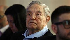 Obvinění Sorose z financování levicových radikálů stála dlouholetého novináře pozici. Prý podněcuje konspirační teorie