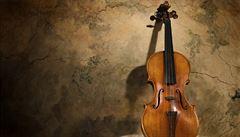 Staré housle zní podobně jako lidský hlas, ukázali vědci
