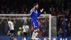 Chelsea dvanáctou výhrou v řadě překonala klubový rekord. Arsenal v závěru urval tři body