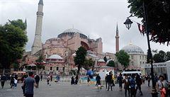 Bez prstýnku ani ránu. Istanbul nejsou jen mešity a kebab, ale i horda flirtujících mužů