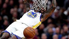 Curry se trápil, ale Durant zachránil svůj tým a Golden State sahají v NBA po titulu