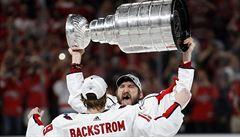 Počůraný či zapomenutý pohár. Připomeňte si nejslavnější oslavy se Stanley Cupem