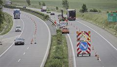 Prasklý úsek dálnice D5 za Plzní silničáři opraví do konce týdne