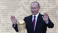 Ruský šampionát měl do ekonomiky přinést přes 14 miliard dolarů