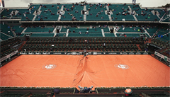 "Zastaralý pařížský grandslam renovuje. Roland Garros chystá ""deštník"" nad centrkurtem"