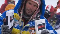 Smrt na Mount Everestu kvůli kryptoměně za miliony. Jeden muž se nevrátil, dva zachraňoval vrtulník