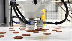 České keksy balí japonští roboti. Výrobce müsli Emco chce postavit vlastní fabriku v Alžírsku