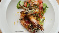 VIDEORECEPT: Grilované tygří krevety s avokádovou salsou. Jak na ně?